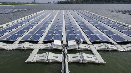 坚持清洁能源 我国水上建太阳能电站