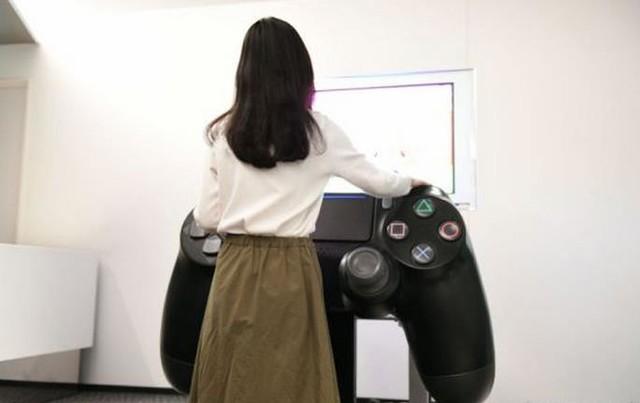 能玩 索尼造巨型PS4手柄 PlayStation 4游戏手柄