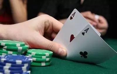 不会打德州扑克 好意思说在游戏圈混吗