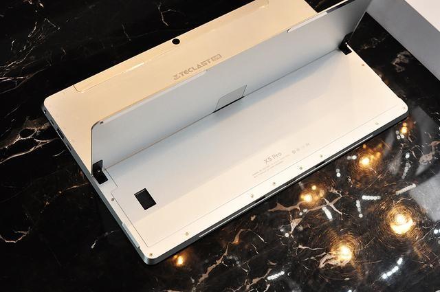 价格亲民又媲美Surface 台电X5 Pro平板