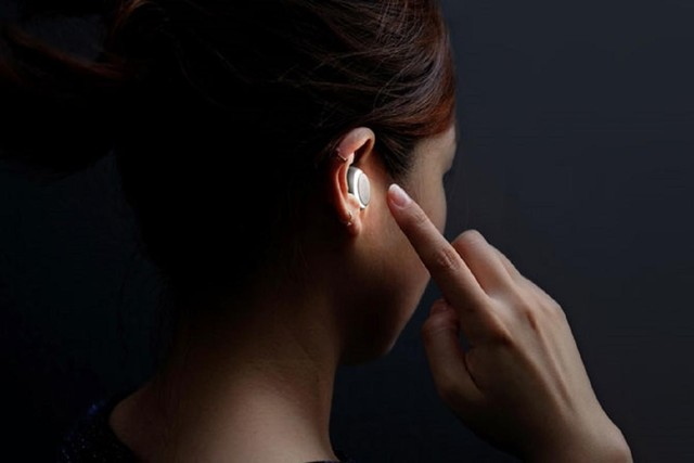 有了这款耳机 英语再渣也能轻松交谈!
