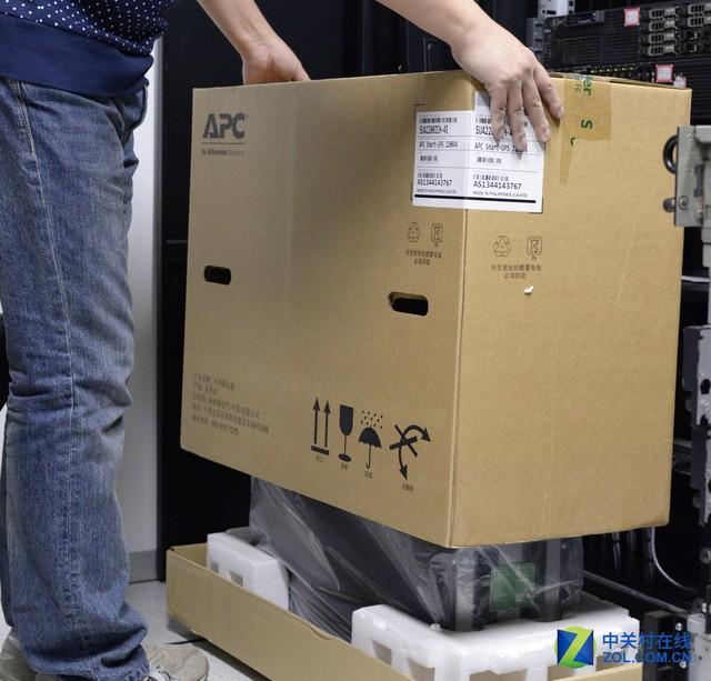 施耐德APC-UPS双刃剑-电力数据中的灯塔