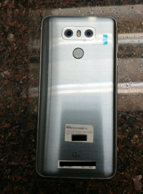 LG G6谍照再曝:双摄坐实 屏占比惊人