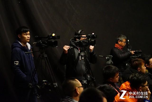 传授经验技巧 JVC广告摄影大师班开班