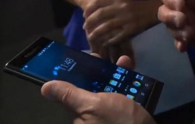 董事长亲自展示 黑莓Priv真机上手视频