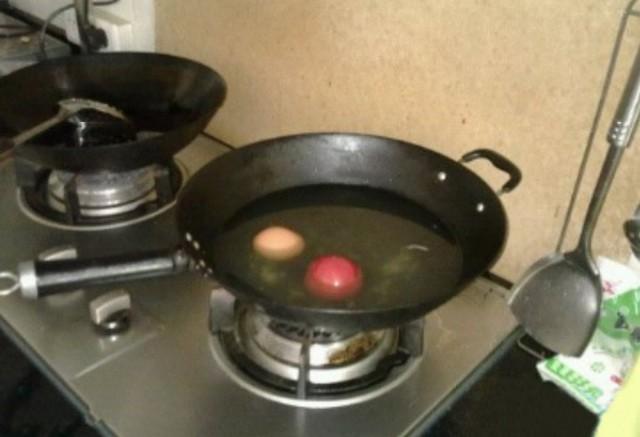 欲哭无泪 碰上不会做饭的女友怎么办?