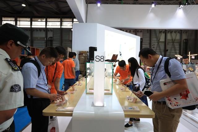 金立携多款产品亮相上海世界移动大会MWCS2016