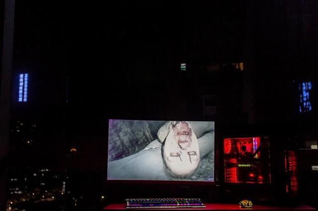用泰坦军团玩《生化危机7》,你敢不敢?