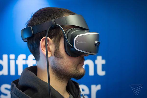 联想推出基于Windows平台VR头戴式头盔