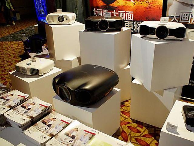 传统投影颤抖 激光电视将横扫高端市场