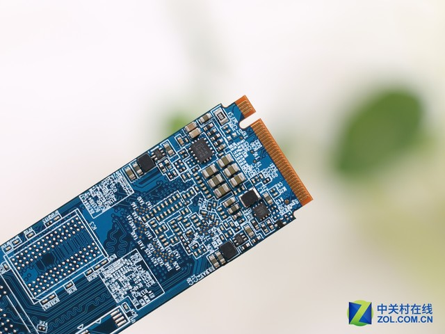 平民NVMe神器 金泰克P600 256GB评测