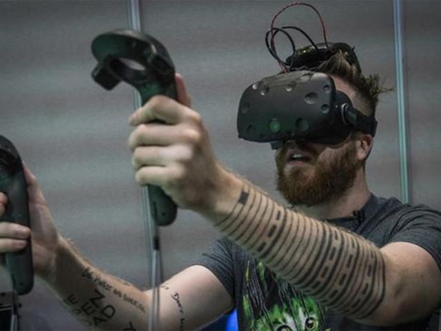 英特尔立功! 无线VR头盔或在明年实现
