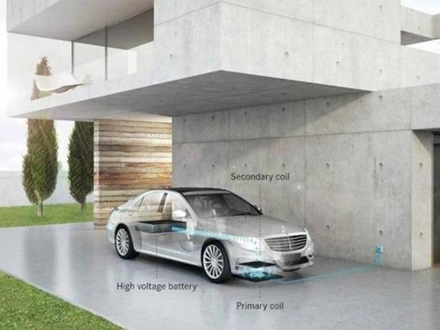 明年奔驰将推出电动汽车无线充电系统