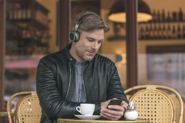 拜亚动力发布首款头戴蓝牙耳机Aventho