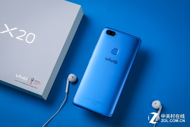 无边框与大海碰撞 便有了vivo X20蓝色版