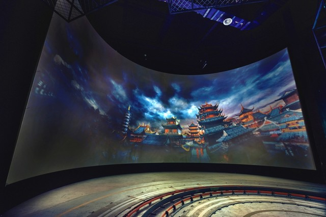 投影机 > 正文    随着投影技术的发展,国内很多主题乐园,大型公园和