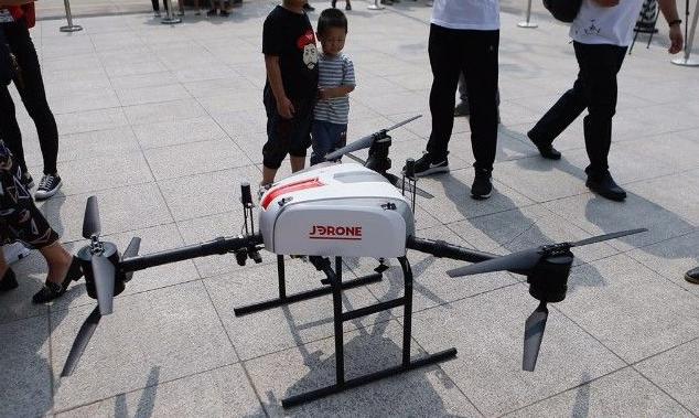 准备好天上掉包裹 京东无人机已正式运营