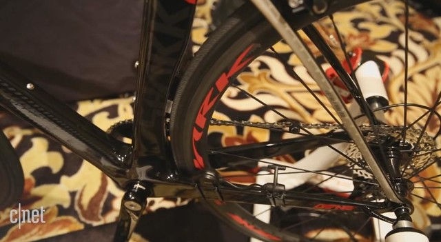 GPS+健身追踪:乐视智能自行车亮相CES