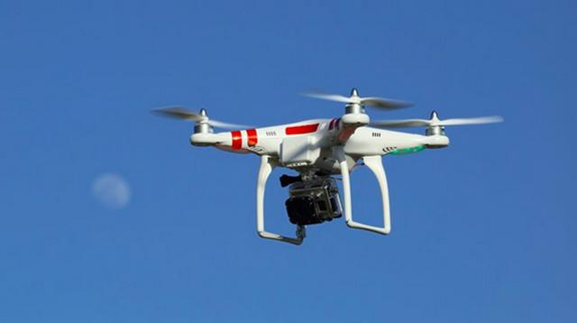 早报:开无人机也要考驾照 最低一万三