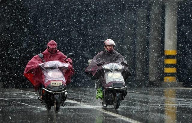 冬天如何优雅地骑电动车? 小牛给答案