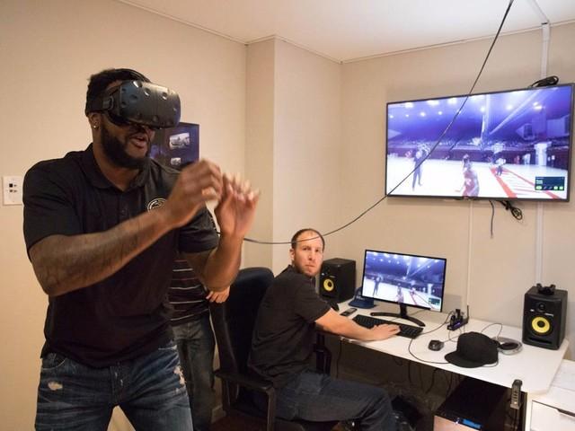 NBA球星参观科技产业 STRIVR成关注点