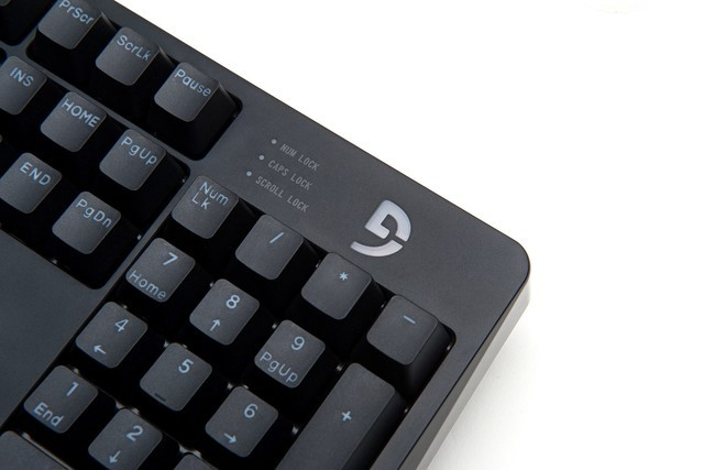 富勒倒计时海报新品曝光,这款键盘有多纯粹