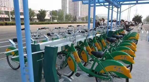 市民凭卡借还 感受下朝鲜平壤的共享单车