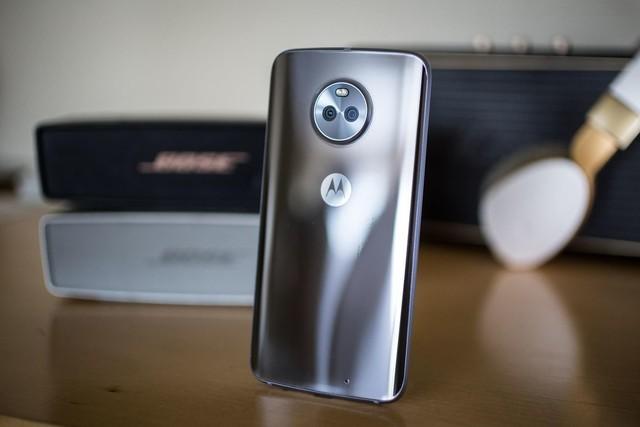 联想发布moto x4手机