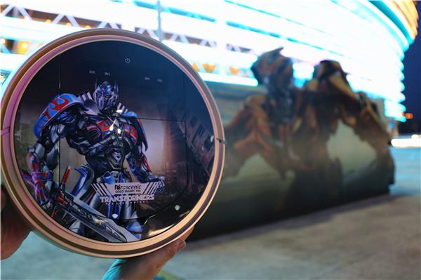 《变形金刚5》主创亮相广州 汽车人加入新成员