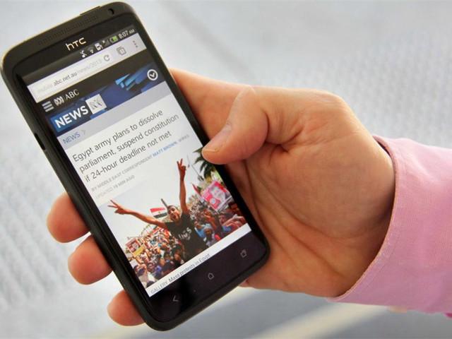 纸媒已完?美国手机看新闻比例高达85%