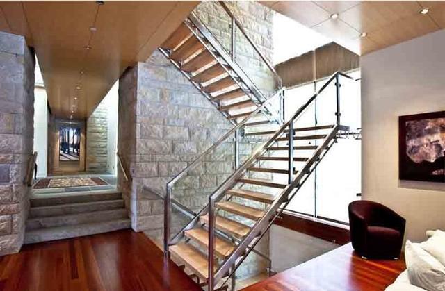 室内楼梯下水池效果图