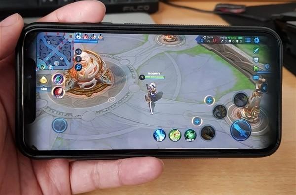 iPhone X玩《王者荣耀》堪比外挂 被封死