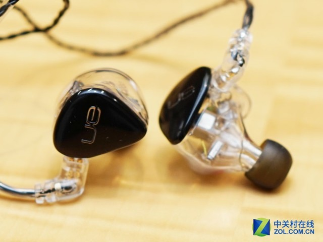 大牌云集 看看歌星们戴的是什么耳机