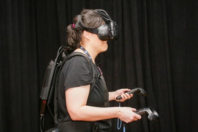 """惠普本周推出了它的"""" OmenX VR""""背包"""