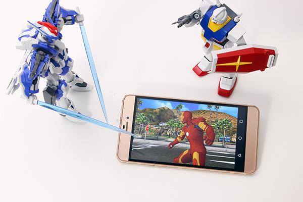 《美国队长3》首映 蓝魔R9手机抢先畅玩英雄游戏