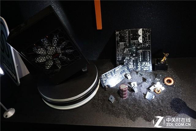 1600W功率 鑫谷台北展最新钛金量产电源
