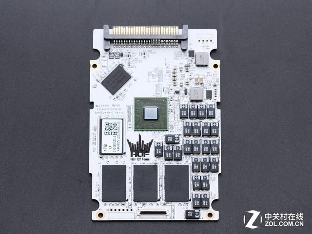影驰名人堂U.2 SSD首测 科技与艺术之作