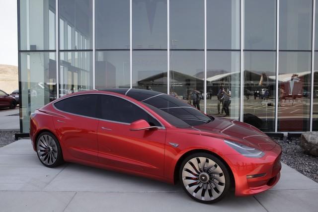 特斯拉Model 3今年到底交付了几台?