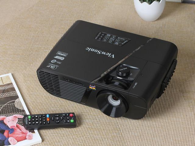 7999元客厅中的新贵 优派Pro7827HD评测