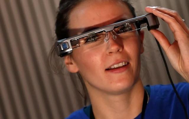 智能眼镜为聋哑人提供全新的试听体验