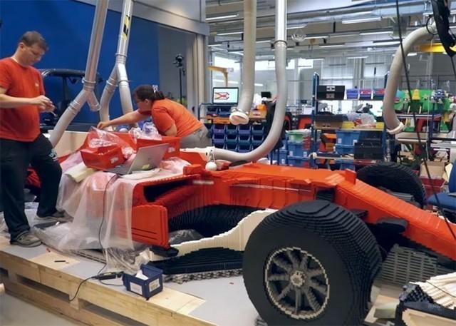 35万块乐高积木拼成的法拉利F1赛车