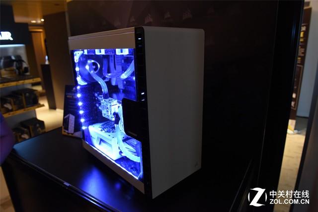 Computex2016:海盗船展出400C水冷主机