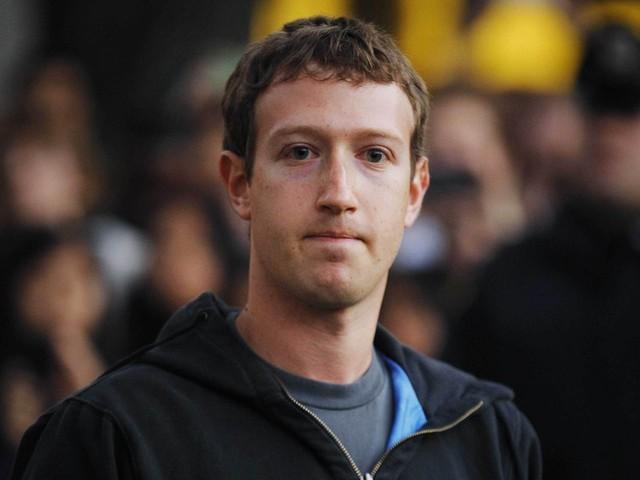 Facebook发布独立VR头显 售价199美元