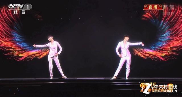 2015春晚李宇春通过全息投影技术演绎《蜀绣》图片