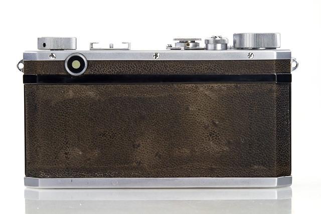 接近280万! 现存最贵尼康相机拍卖成功