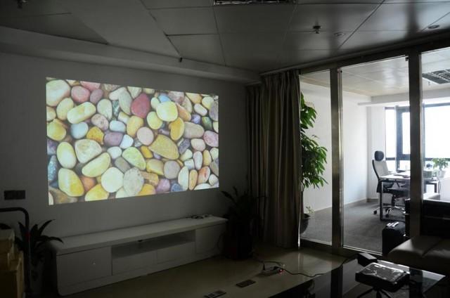亮度如何判断 投影机的流明是什么?