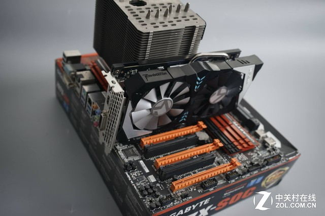 7700K+GTX1070 额定400W电源轻松胜任