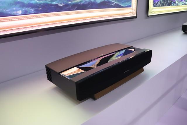 极米激光电视凭什么值8万?探背后的技术