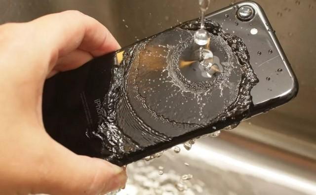 这个地区的用户iPhone坏了苹果免费维修
