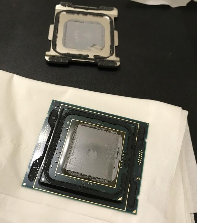 钎焊梦碎 18核酷睿i9 7980XE CPU开盖